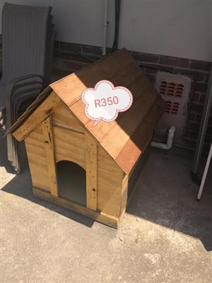 Light wooden dog kennel for sale