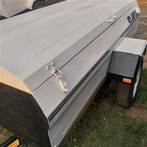 glider 7foot trailer very good condition