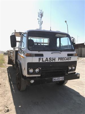 1985 Isuzu JCR 500 Dropside