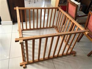 Solid wood Playpen for baby with interlocking arms