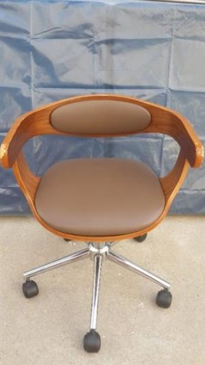 Wooden swivel chair suitable for child nice shape and design