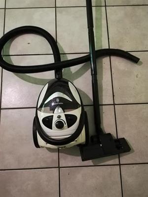 Russel Hobbs vacuum