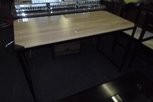 Wooden Desk with Steel Frame - B033033192-3