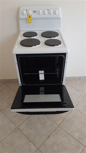 Brand new white defy four plate stove
