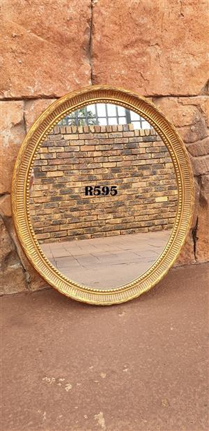 Antique Classic Oval Mirror (585x680)
