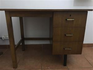Small Old School 3 drawer office/students desk