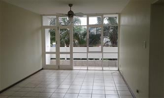 Upmarket 2 b/r apartment in Central Pinetown with balcony, lift access, pkg and CCTV cameras