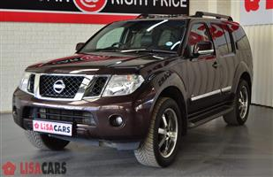 2012 Nissan Pathfinder 4.0 V6 LE automatic