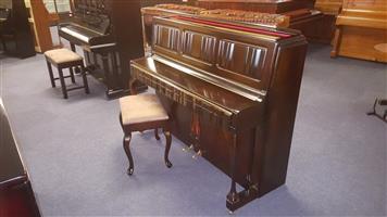 Piano - Knight. 114cm.