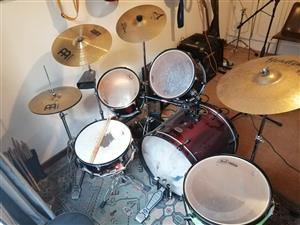 Pearly Drumkit with Cymbals