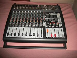 Behringer PMP4000 Power Mixer