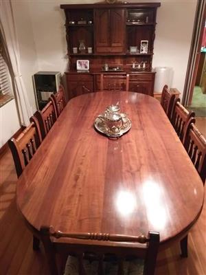 Imboya Dining Room Suite