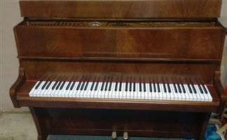 Monington and Weston upright piano (Fully restored)