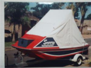 River/Dam boat in excellent condition.