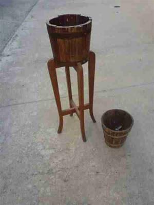 Plant stand with barrel plus