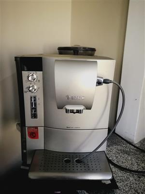 Coffee Machine. Bosch TES51521RW VeroCafe LattePro Super Fully Automatic Espresso Machine Aroma Pro, SIlver.