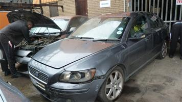CURRENTLY STRIPPING V231 VOLVO S40 T5 GRET 2005