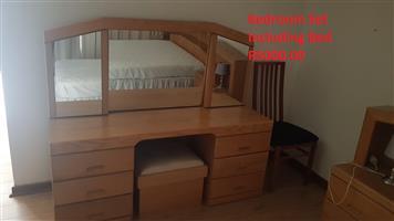 Bedroom set including base and mattress