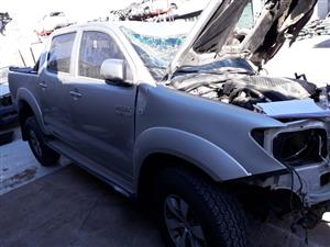 Toyota Hilux 3.0 D-4D 4x4 - 2010 - Stripping for spares
