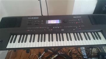 standard RD + stand organ black keyboard