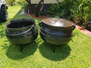2 x black pots for sale