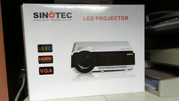 Sinotec projector en screen 2x1.5