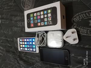 iPhone 5s 32gb + free Xiaomi 4a 32gb