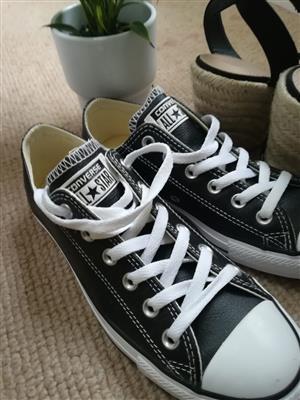 Black Leather Converse Size 5