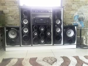 Samsung sound system with cabinet