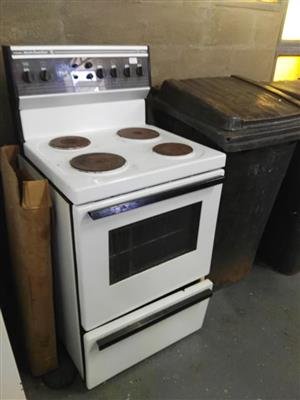 4 Plate stove with oven