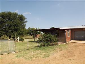 1 Bedroom Flat on Smallholding To Let Vastfontein