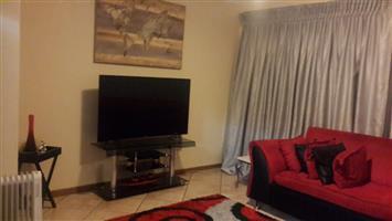 Beautiful Lounge on Sale