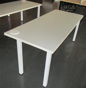 Straight desk steel square legs white