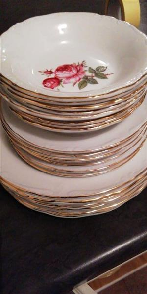 CONSTANTIA Fine China 8 place setting