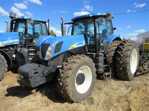 New Holland T7060DT Tractor