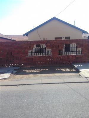 2 BEDROOMS FOR SALE LEBANON WINTERVELD R350 000.00 CALL SOPHY FOR MORE INFO @ 0760813571