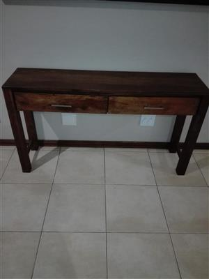 Table of drawers
