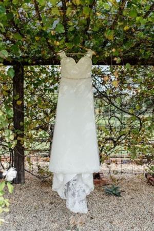 Unique wedding dress for sale R 4500 Size 10