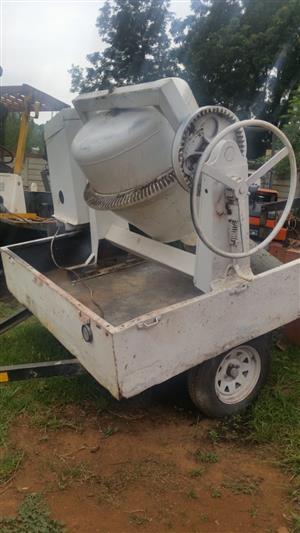 250L Electric Driven Concrete Mixer On A Trailer