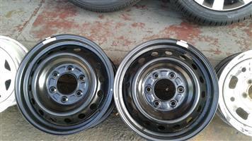 Ford Ranger standard steal rims size 16,17 aset or loose