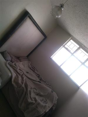 ROOM R2,500 IS AVAILABLE @ WEST PARK ESTATE INCLUDING WATER AND ELECTRICITY