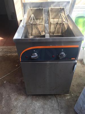 Anvil 2x10L Floor Standing Electric Fryer
