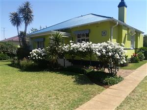 Beautiful Golden Oldie 3 Bedroom House for Sale in Randfontein