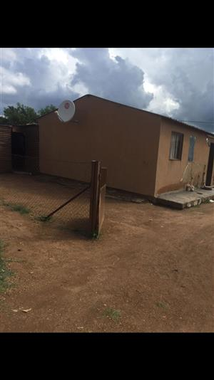 A REASONABLE 2 BEDROOMS HOUSE IN ORANGE FARM FOR SALE     STRICTLY CASH ONLY