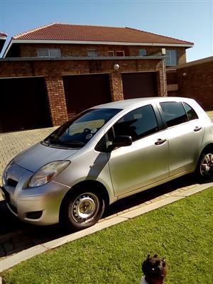 2010 Toyota Yaris 1.0 5 door T1 (aircon+CD)
