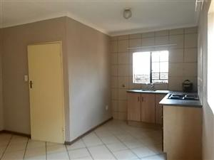 Fully tiled simplex available in Philp Nel Park ideal for a newly wed couple or as investment to rent out. - S0018