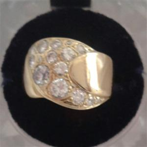 Investment 18ct Yellow Gold Diamond Ring, used for sale  Welkom