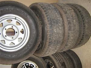 Ford, Set of five stud F100 rims and tyres