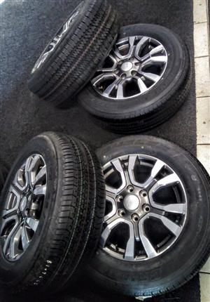 "18"" Ford wildtrack set of x4 grey mags with brand new tyres"