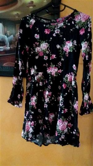 13-14, long sleeve floral top